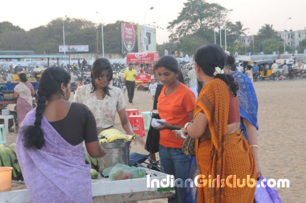 chennai college girls at marina beach