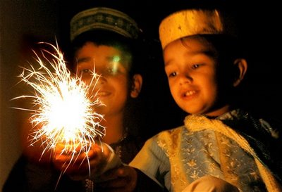 indian muslims celebrating diwali