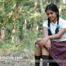 kerala girl in school uniform miniskirt in uthiram tamil film