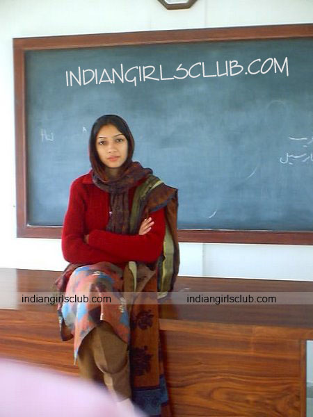 pakistani-school-teacher-from-karachi