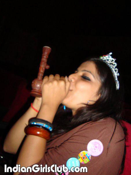 desi babe dressed as queen enjoys smoking