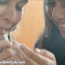 desi school girls smoking