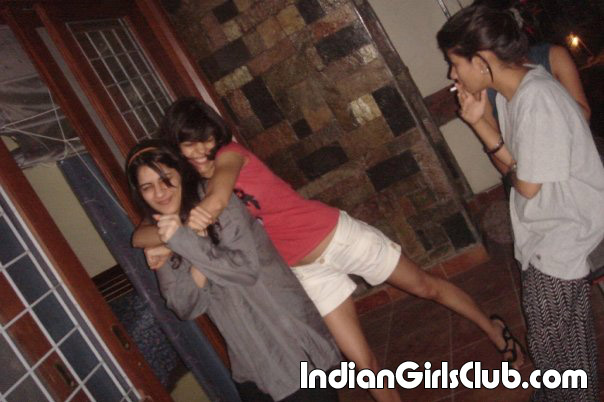 desi school girls smoking pics