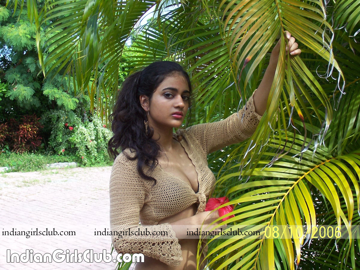 http://indiangirlsclub.com/wp-content/uploads/2009/11/maldives-girls.jpg
