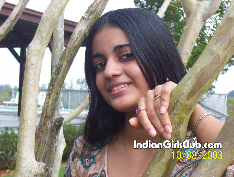 http://indiangirlsclub.com/wp-content/uploads/2009/11/real-life-kerala-girls.jpg