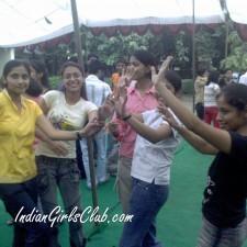 desi girls dancing in school festival