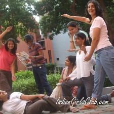 desi girls enjoying