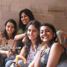 desi girls smiling