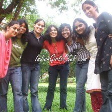 jeans desi girls in park