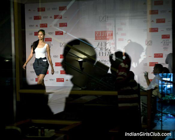 Wills Lifestyle India Fashion Week 2010 Pics