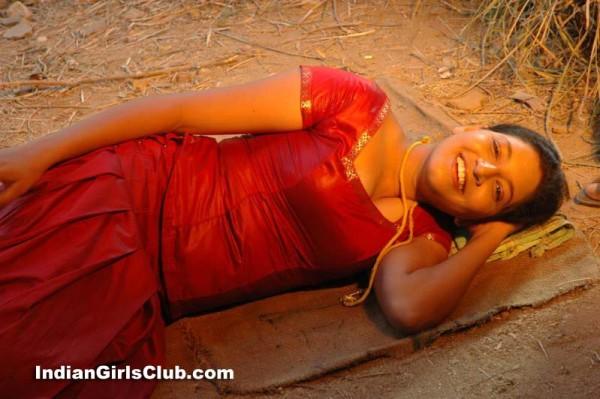 tamil girl pavadai chattai