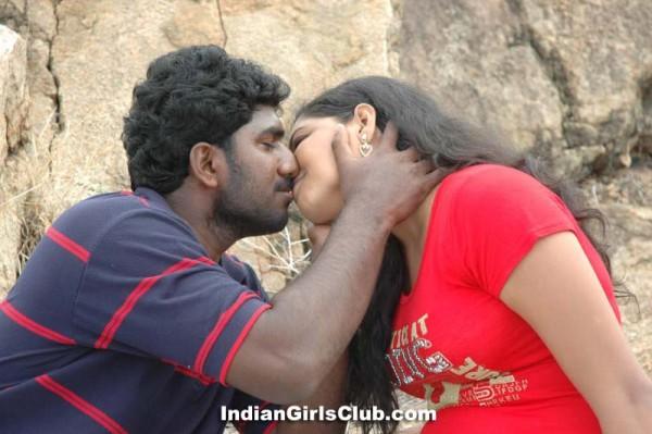 tamil movie hot kissing scene