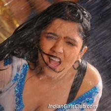telugu-actress-charmi-pics