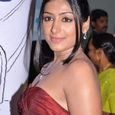 actress-padma-priya-sizzles-13