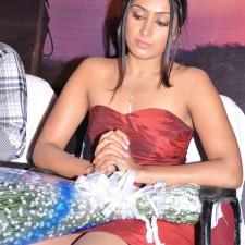 actress-padma-priya-sizzles-21