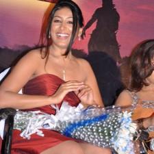actress-padma-priya-sizzles-27
