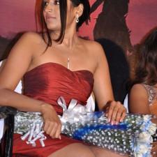 actress-padma-priya-sizzles-29