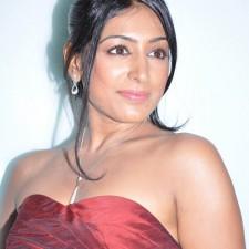 actress-padma-priya-sizzles-3