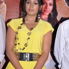 actress-padma-priya-sizzles-37