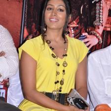 actress-padma-priya-sizzles-40
