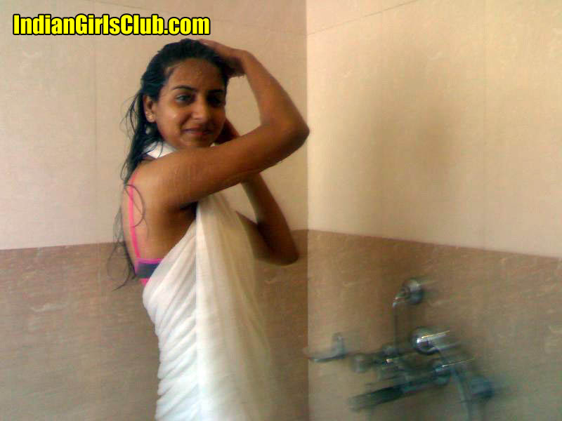 Girl nude desi bathing