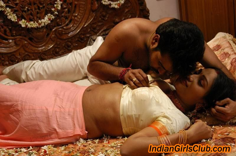 Hot Bed Scene From A South Indian Movie Mallu Aunty In Silk Saree