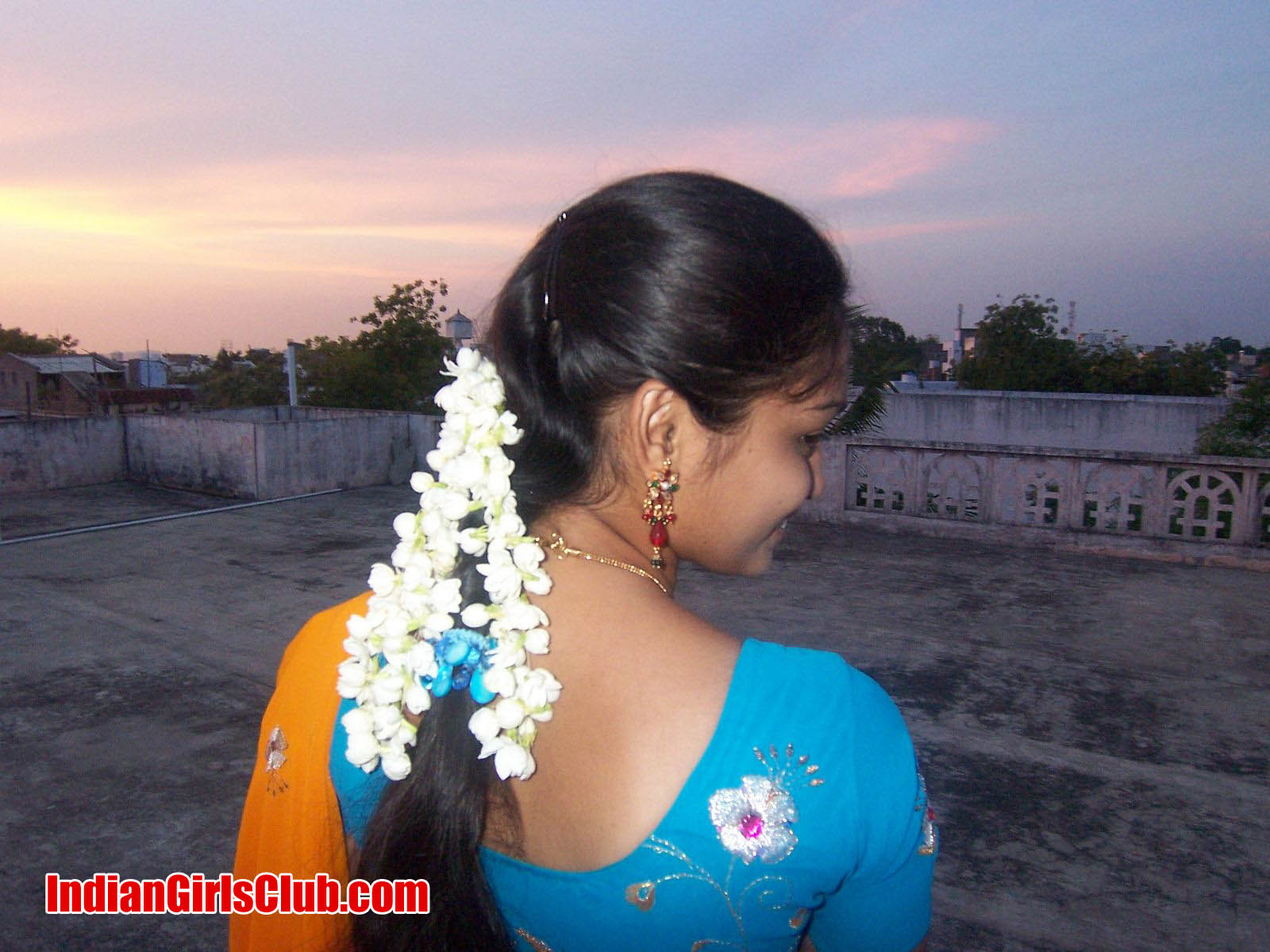 real life girls photos chennai girls pics