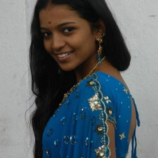 south indian girls saree pics