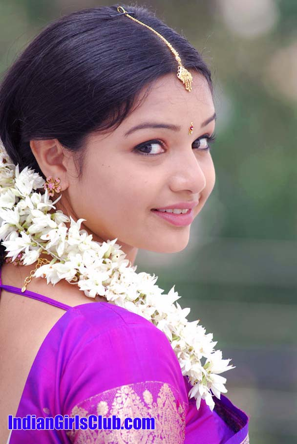 young girl saree jasmine flower
