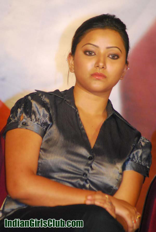 Swetha-Basu-Prasad-photos-068 copy