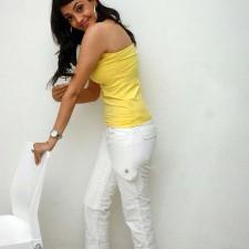 actress kajal agarwal back show