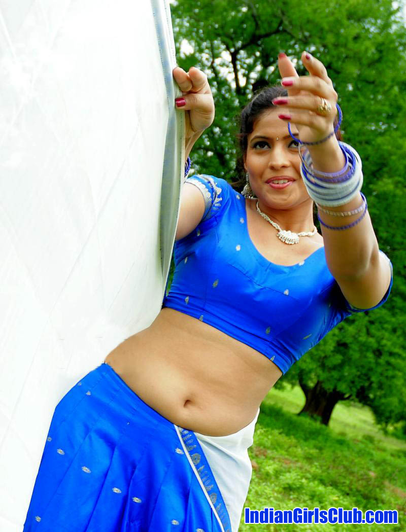 half saree actress south indian girls