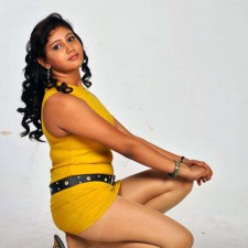 hot-tamil-actress-amruthuvalli-spicy-stills-pictures-photos-15 copy