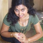 Hot Mallu Aunty Cleavage Show Pics