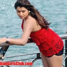 south-indian-glamour-actress-farahkhan-upskirt-pictures-15