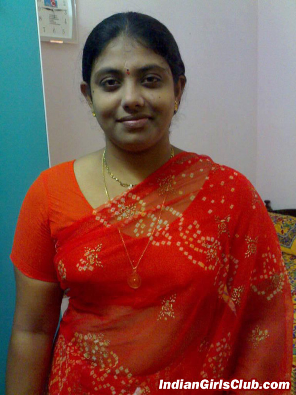rea life kerala aunty sexy saree pics