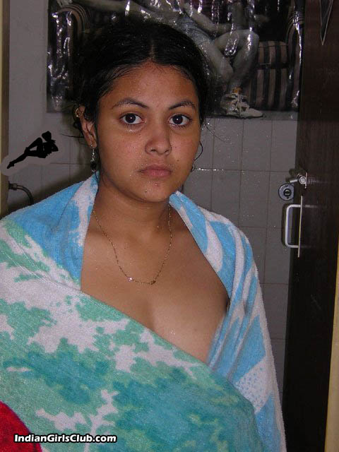 desi girl shamna towel after bath