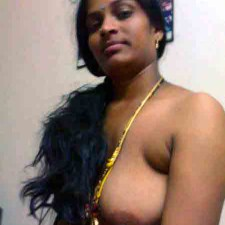 aunty in saree Topless