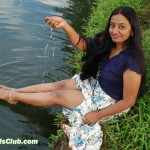 Upskirt Pic Tamil Girl Showing Thighs