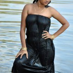 wet pavadai sticking body tamil girl bathing