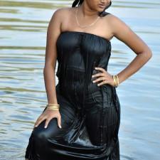 wet pavadai sticking body tamil girl bathing