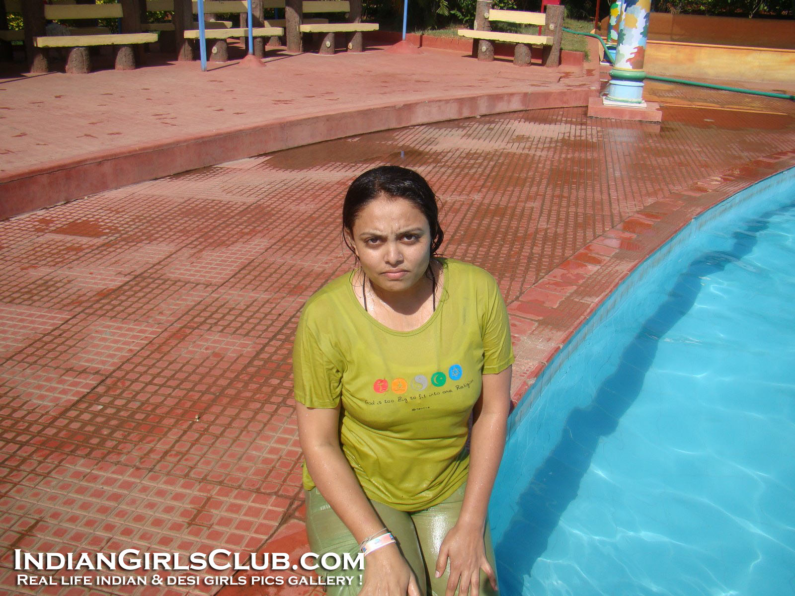 desi aunties swimming pool