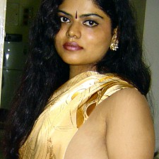 indian aunty without bra