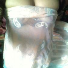 saree boobs cleavage indian