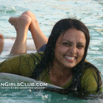 swimming desi aunty