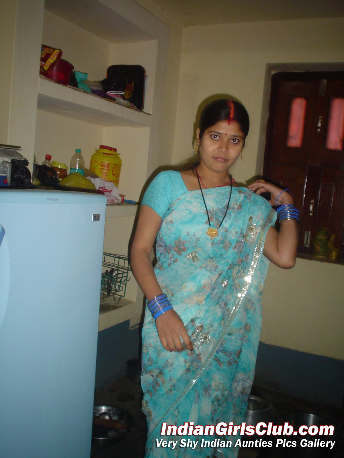 cute real life indian aunty saree