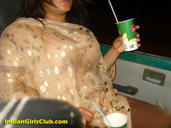 arab aunties nude inside car