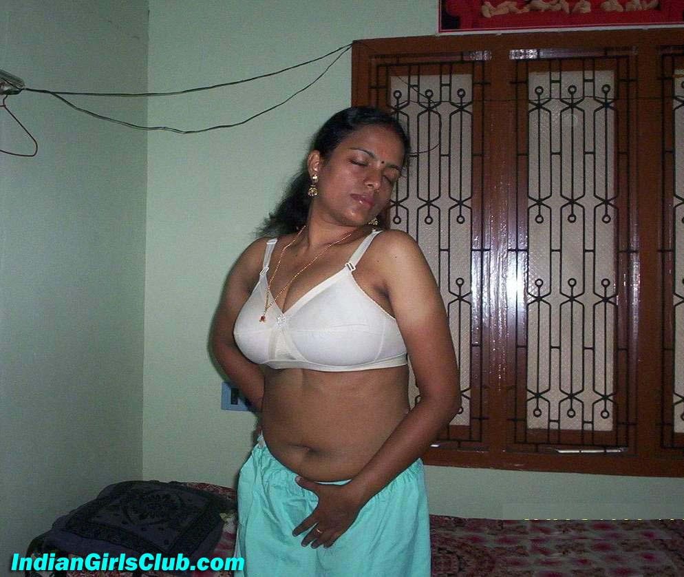 hot mood south indian aunty
