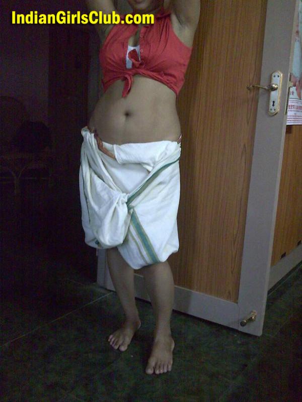 kerala girls in dhoti