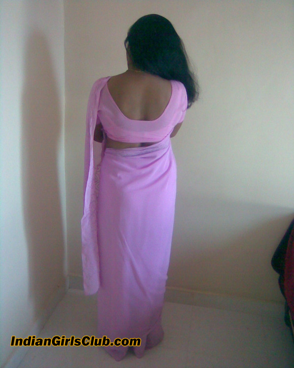 sexy saree back aunty